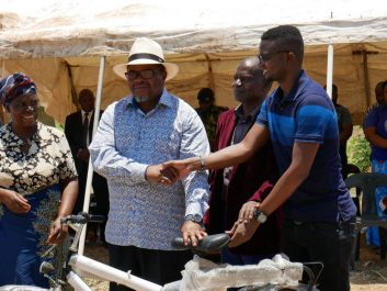 Minister promises electricity in Mthumba village Malawi